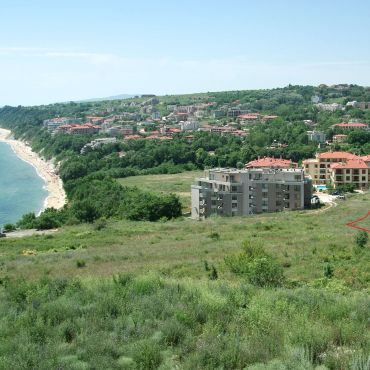 501 кв.м. прекрасен парцел за жилищно или ваканционно строителство на метри от плажа!